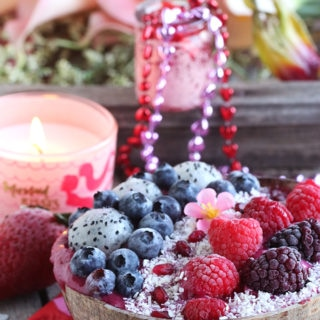 Vegan Sweetheart Smoothie Bowl + 15 Feng Shui Love Tips